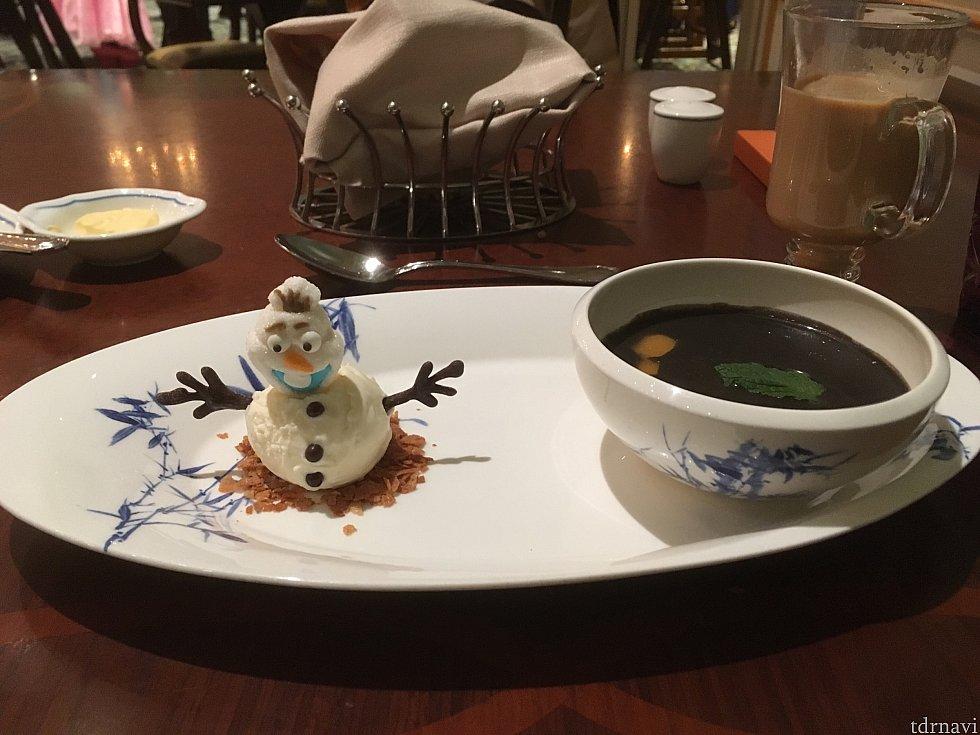 【デザート】オラフと胡麻の芋園です。オラフはアイスだったはず。。 ゴマも芋園もオラフも大好きなので最高でした♪
