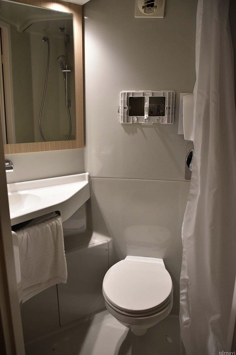 シャワー、トイレ、洗面