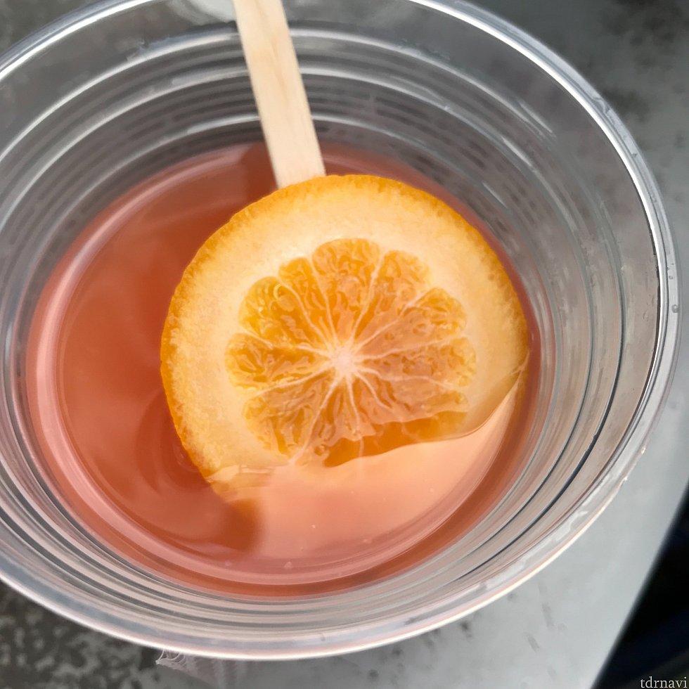 中にスライスオレンジが入ってました!