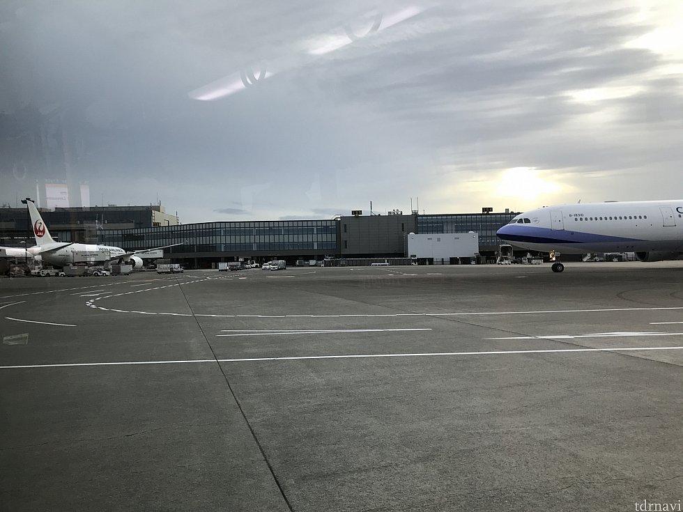 あっという間の3泊5日でした。 成田はターミナル2に到着します。