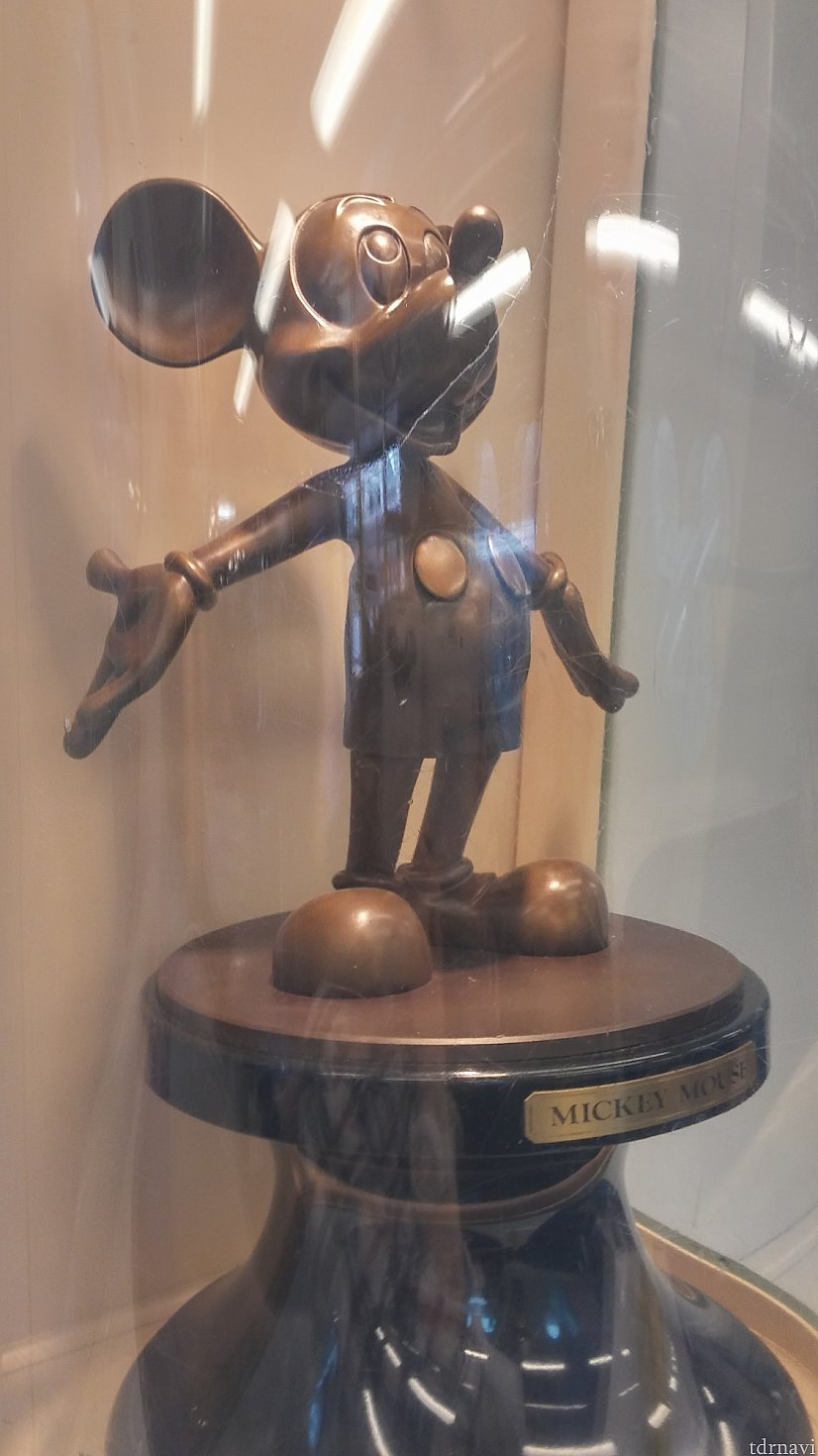 ミッキーの銅像☆