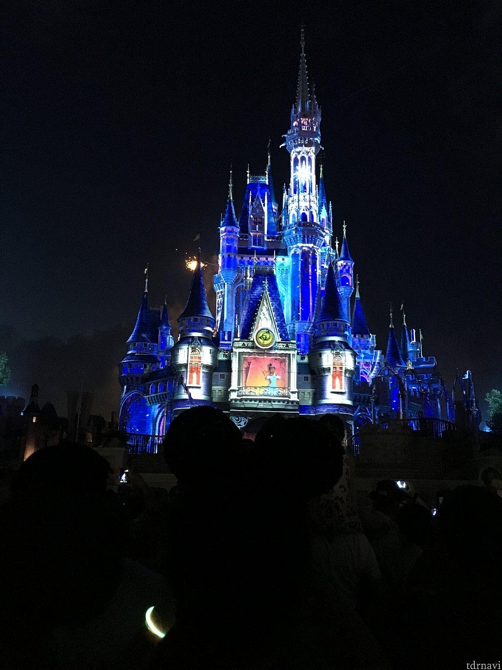 「プリンセスと魔法のキス」からスタート!
