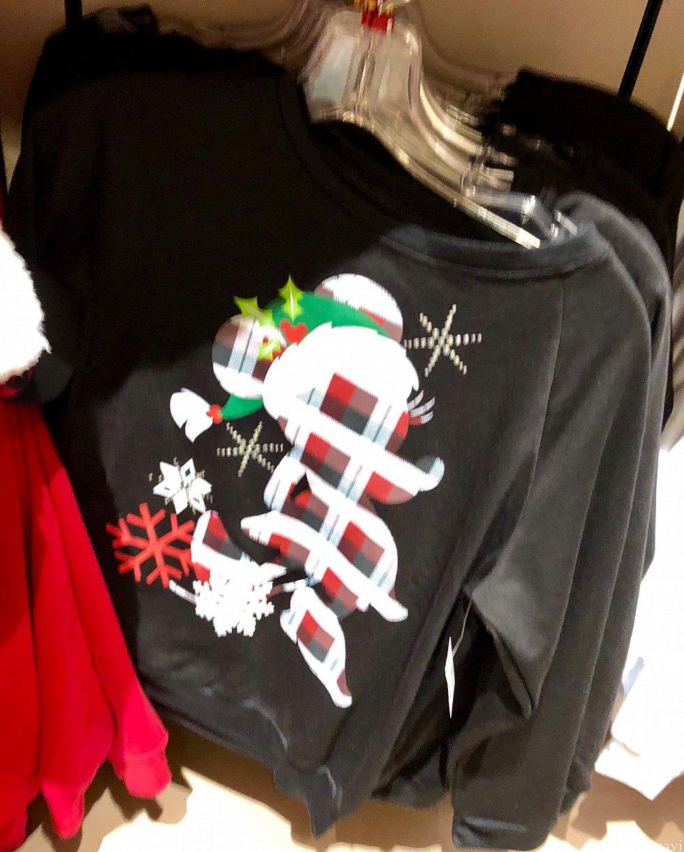 ミッキーの長袖Tシャツは$54.99