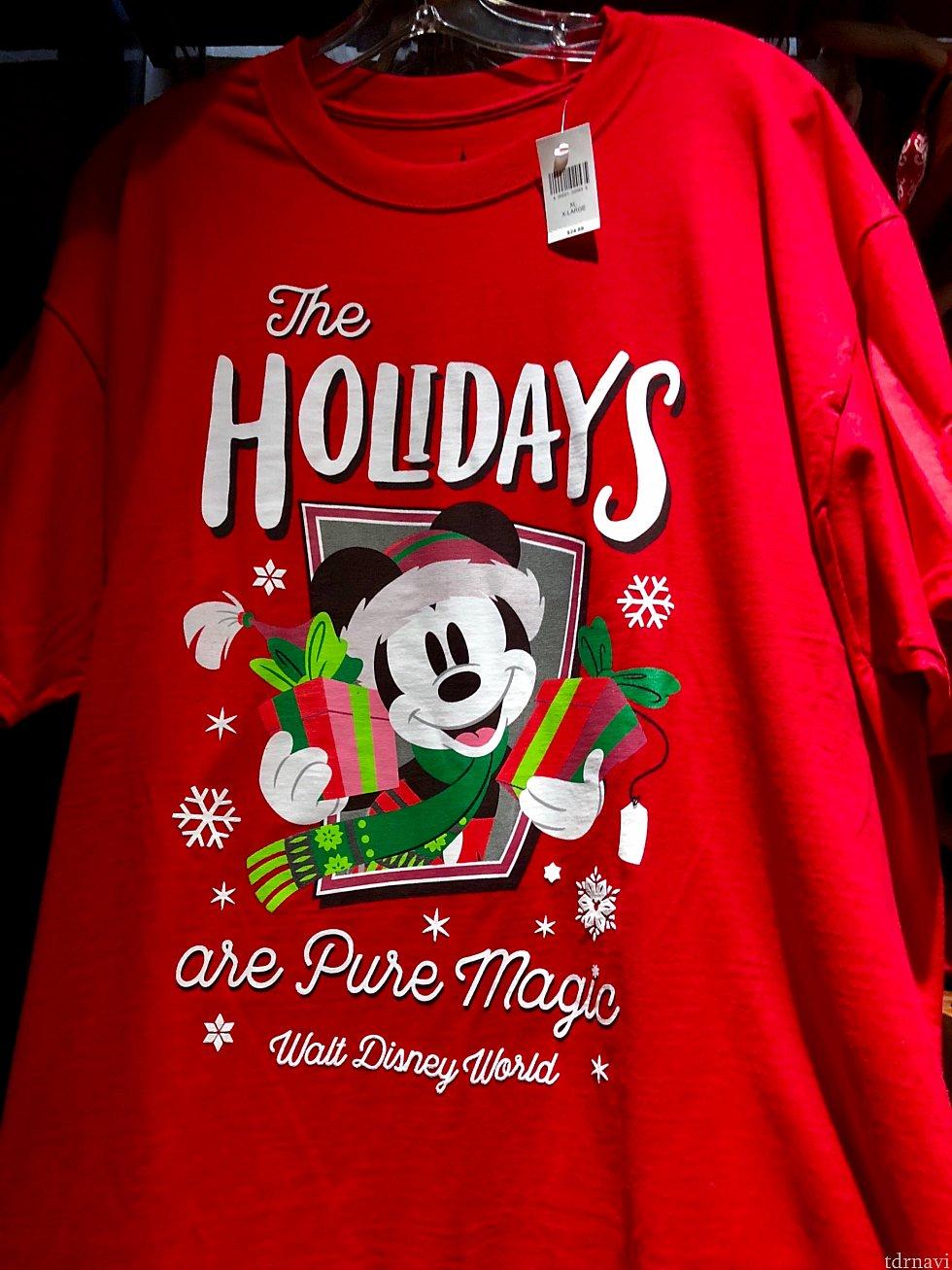 アパレル特集はこのミッキーの赤いTシャツから始めましょう。このTシャツは$24.99