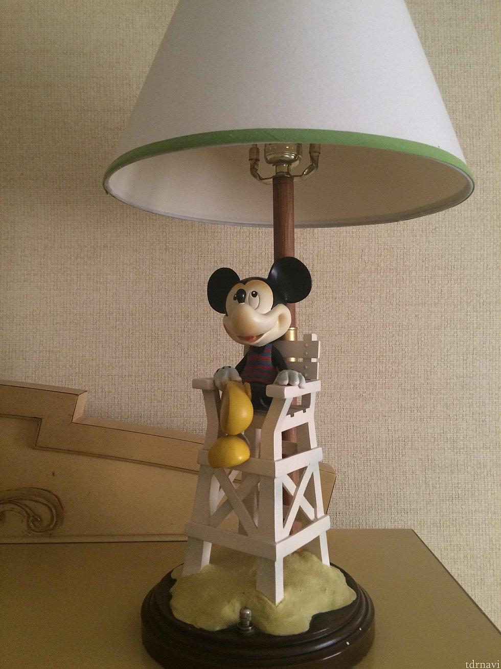 ミッキーのスタンドかわいいです。アウラニみたい😊