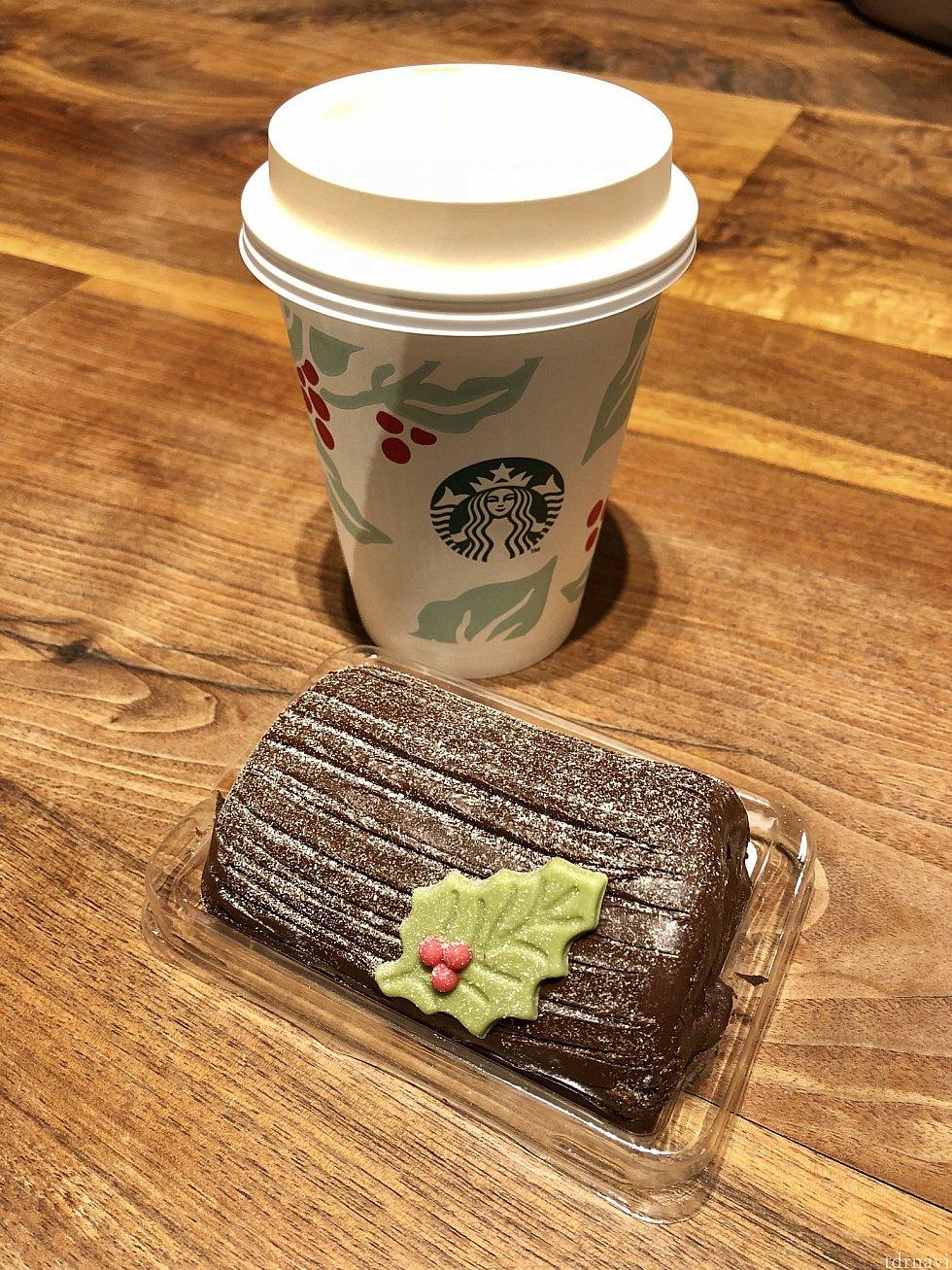 チョコレートケーキ(32元)とカフェラテ(29元) かなり濃厚でした!