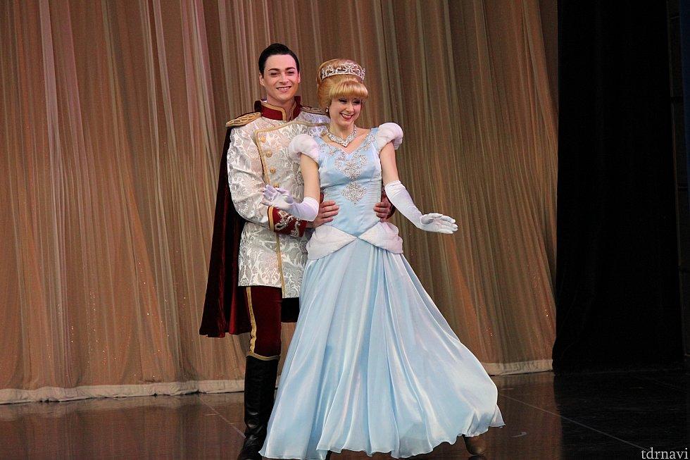 シンデレラと王子です。