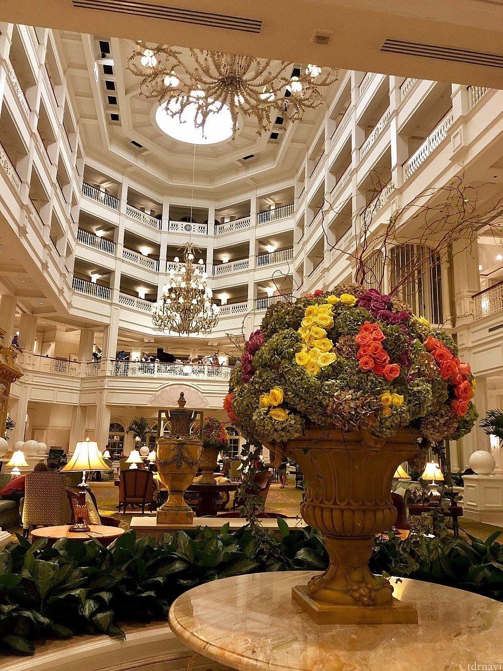 もちろんリゾートのデザインスタイルは、Victorianスタイル。レストランとの繋がりが分かりましたか?