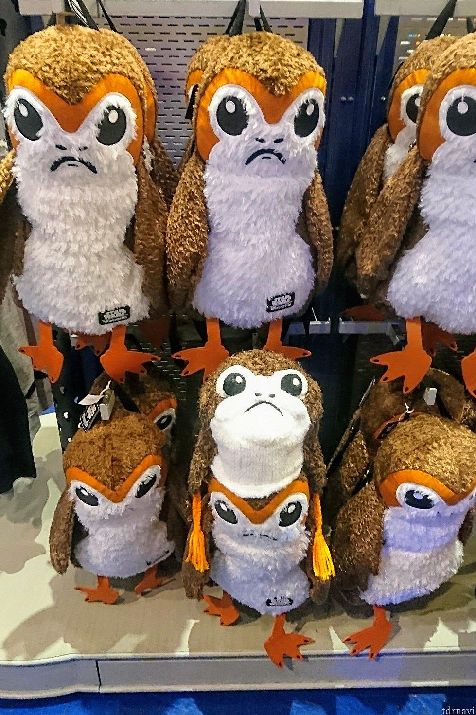 おまけの写真は『ポーグの群れに混じる、うちのポーグ』😆 リュック、可愛かったです💓 お店はトゥモローランドの「スタートレーダー」です。