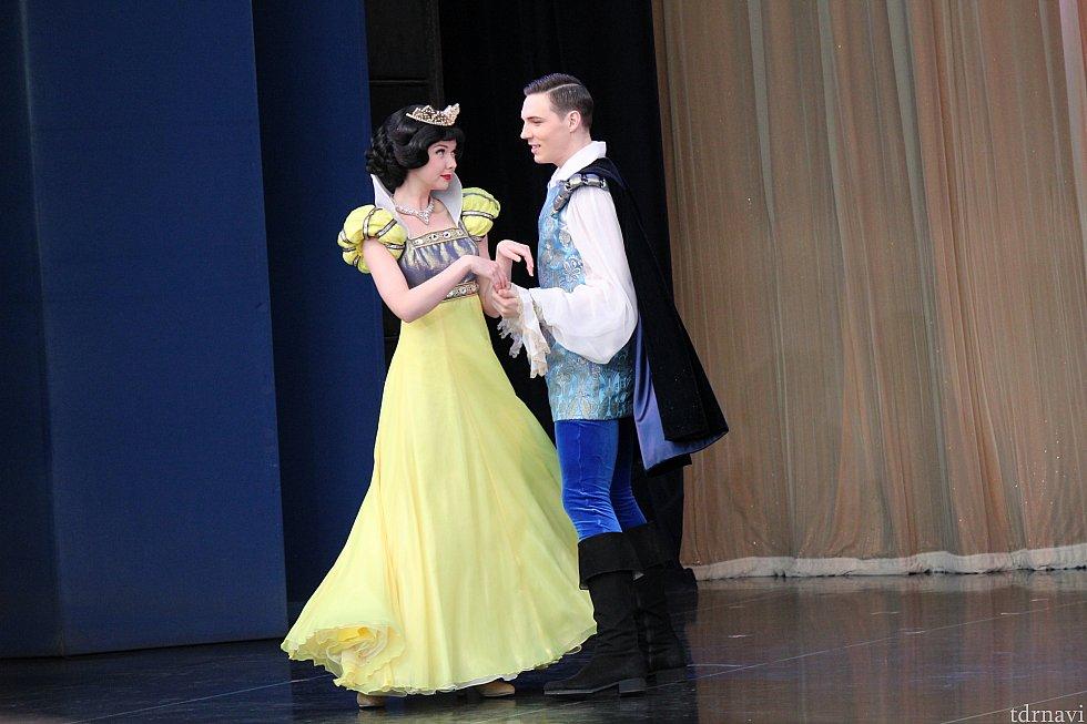 白雪姫と王子です。