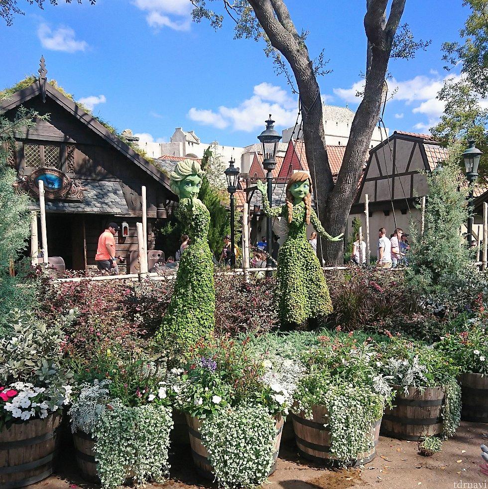 春のフラワー&ガーデンフェスティバルでは、素敵なコンテナガーデンがありました。 北欧エリアの雰囲気に合わせた花材が使われています。