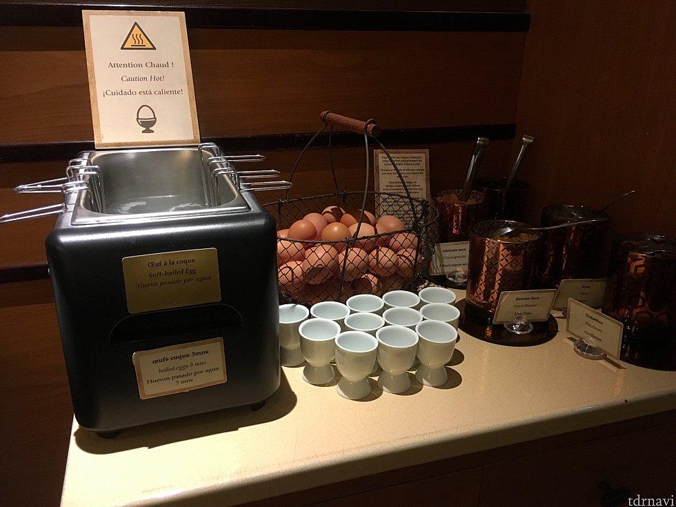 自分でゆで卵を作る機械も!