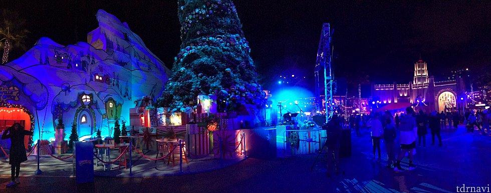 暗くてあまり見えませんが……ユニバーサルプラザのパーティ会場です。