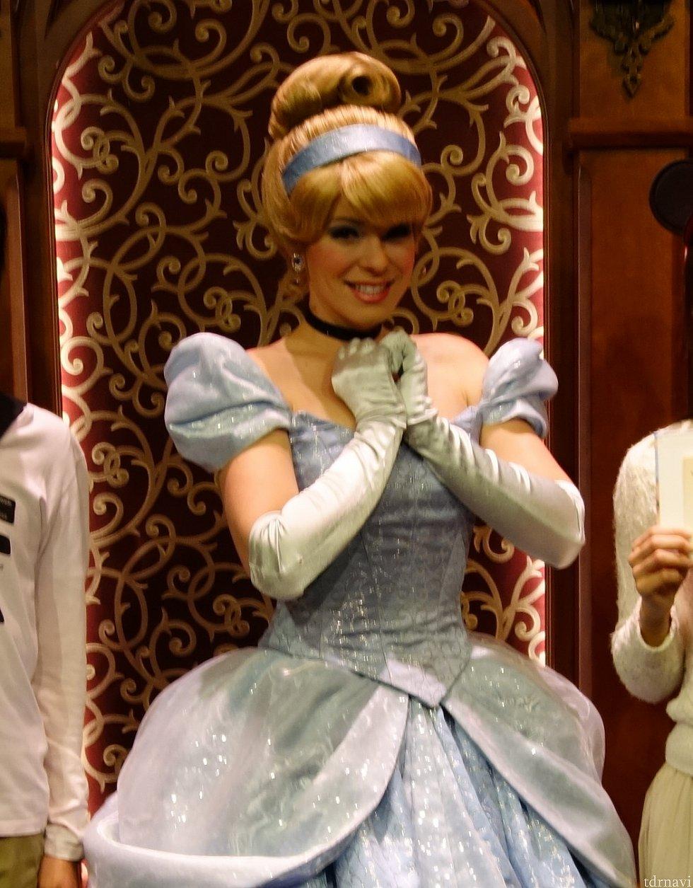 ロイヤル・ホールにて。シンデレラが美人さんでした。
