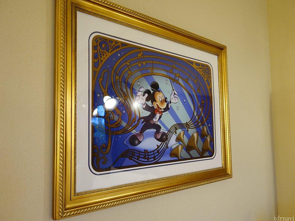 部屋の絵画