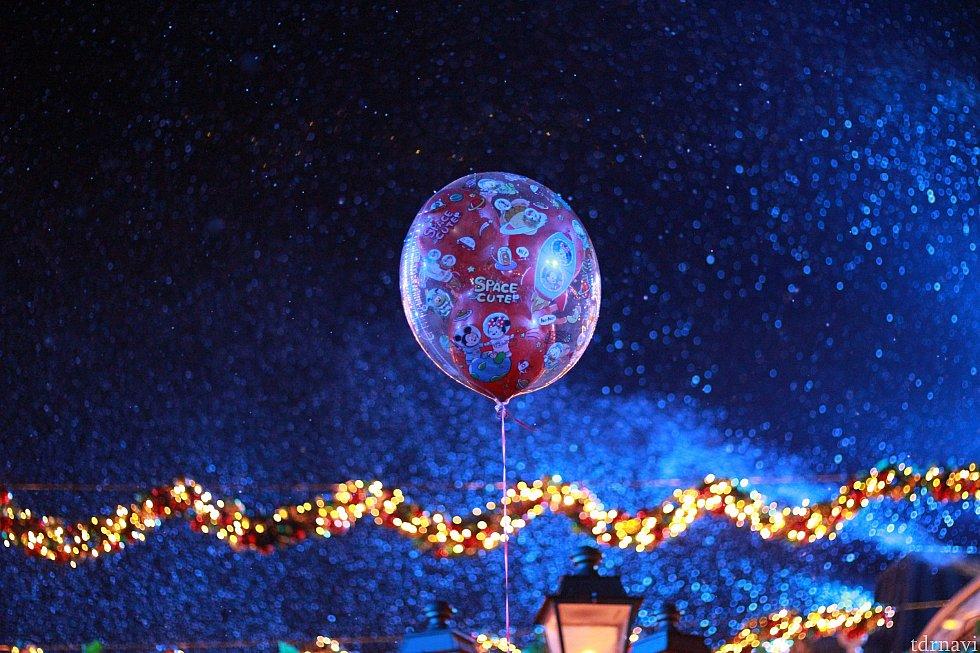 ミッキーミニーで雪が降ります