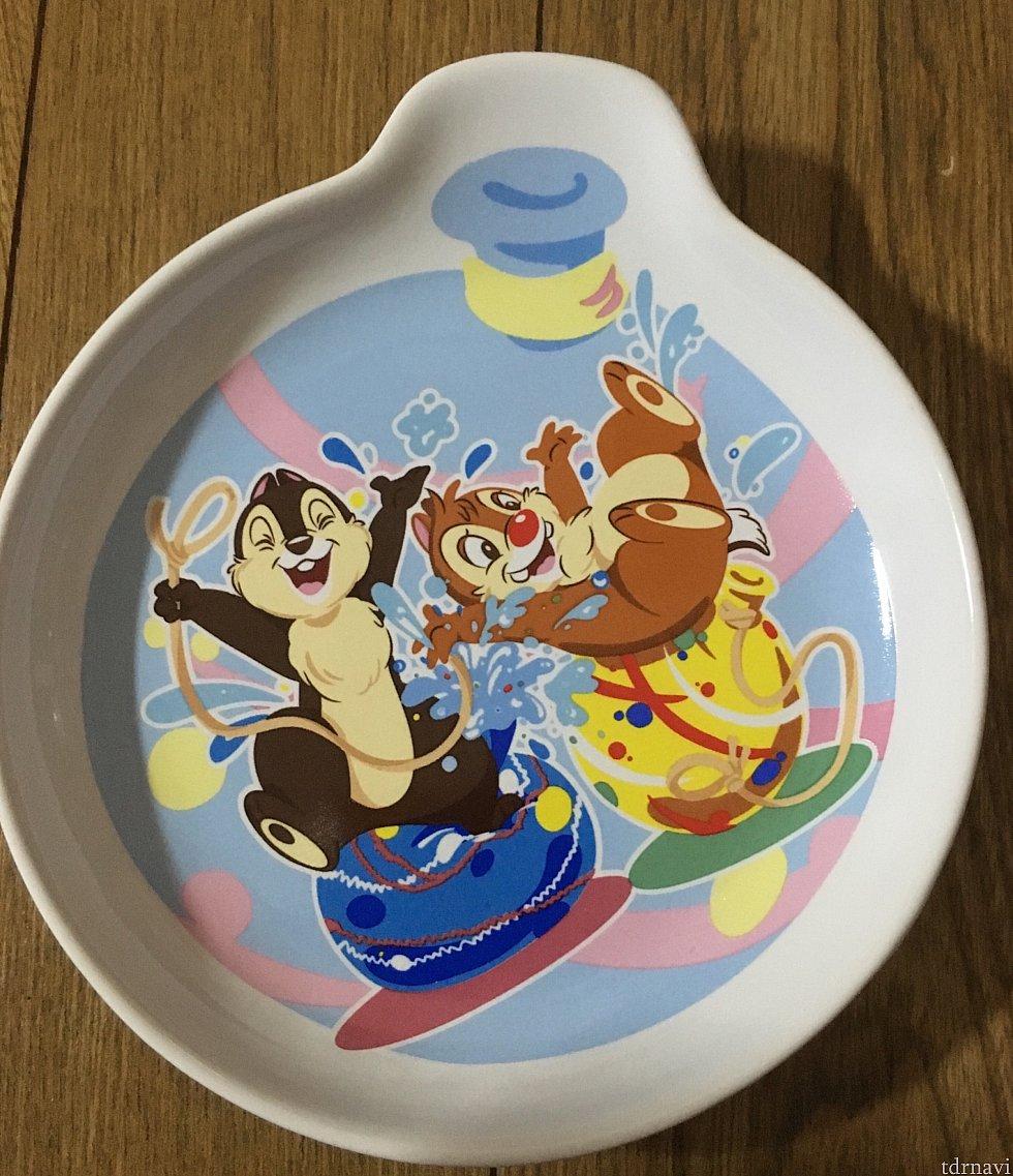 手のひらサイズのチデのプレート 可愛くて思わずゲット!! 浅いお皿なので小物や取り皿かな?