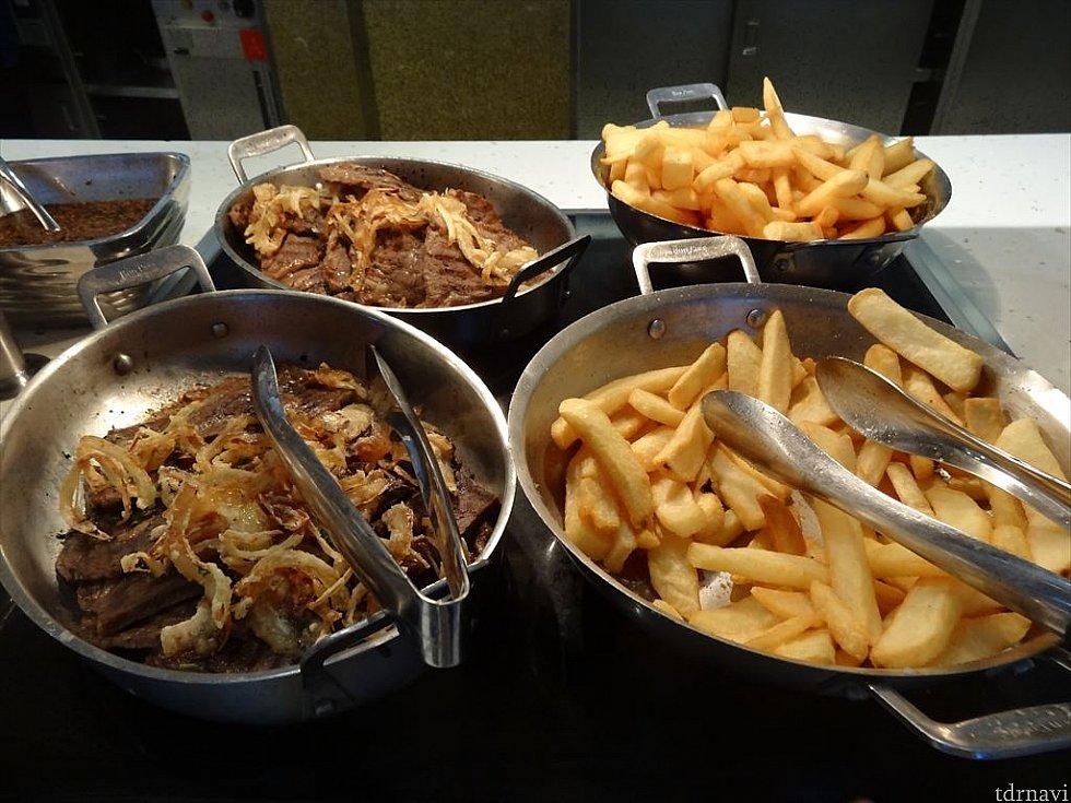 【ランチ】ステーキとポテト。わさび醤油で食べたいなぁ〜
