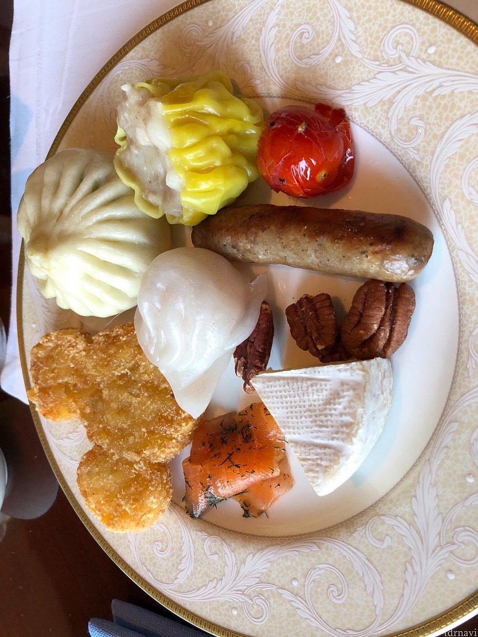 朝食もラウンジで食べれます。取ったものしか写真を撮ってませんでした…