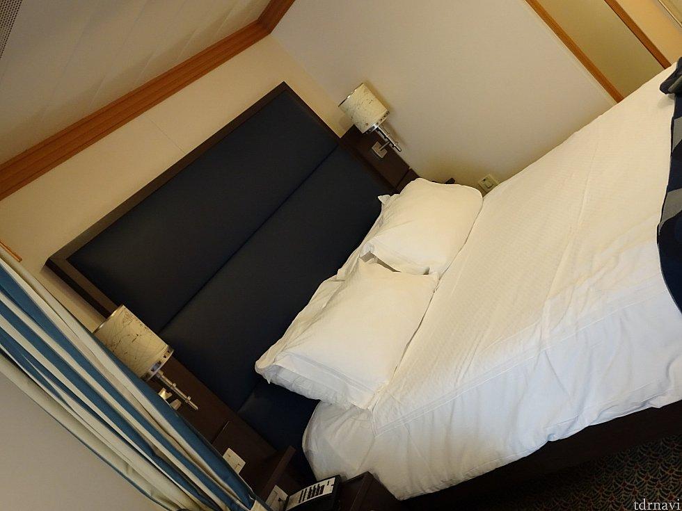 クイーンベッドです。 女二人で寝ましたが特に広さは気になりませんでした。