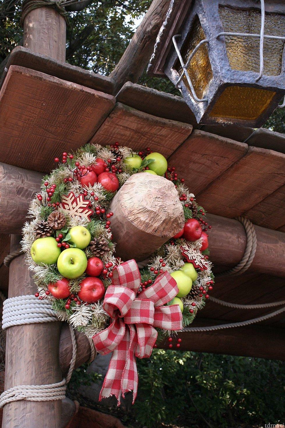 クリッターカントリーはリンゴなどの果物でカラフル!