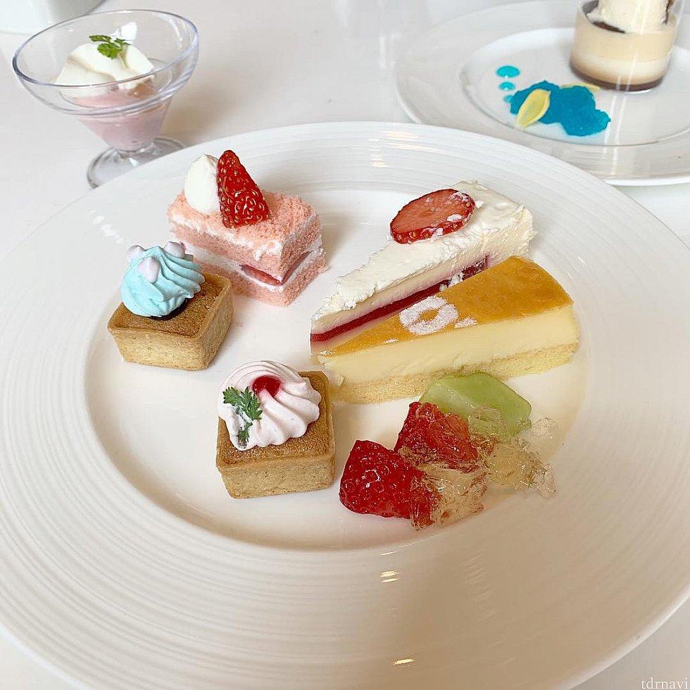 ケーキからアイスまで全部美味しかったです!