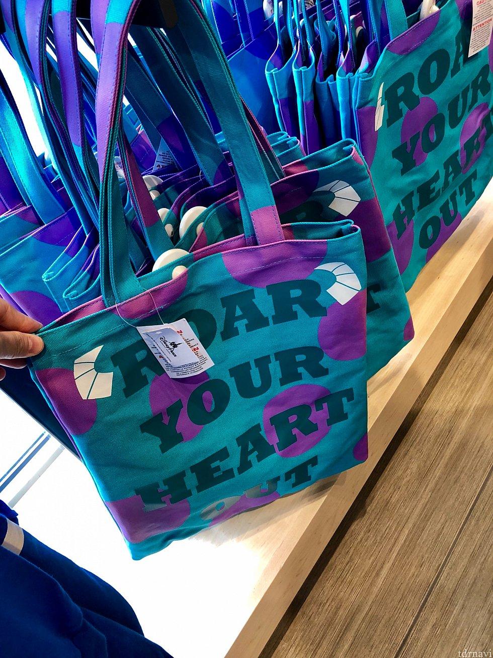 サリー柄のバッグもインパクトありますよね!$19.99