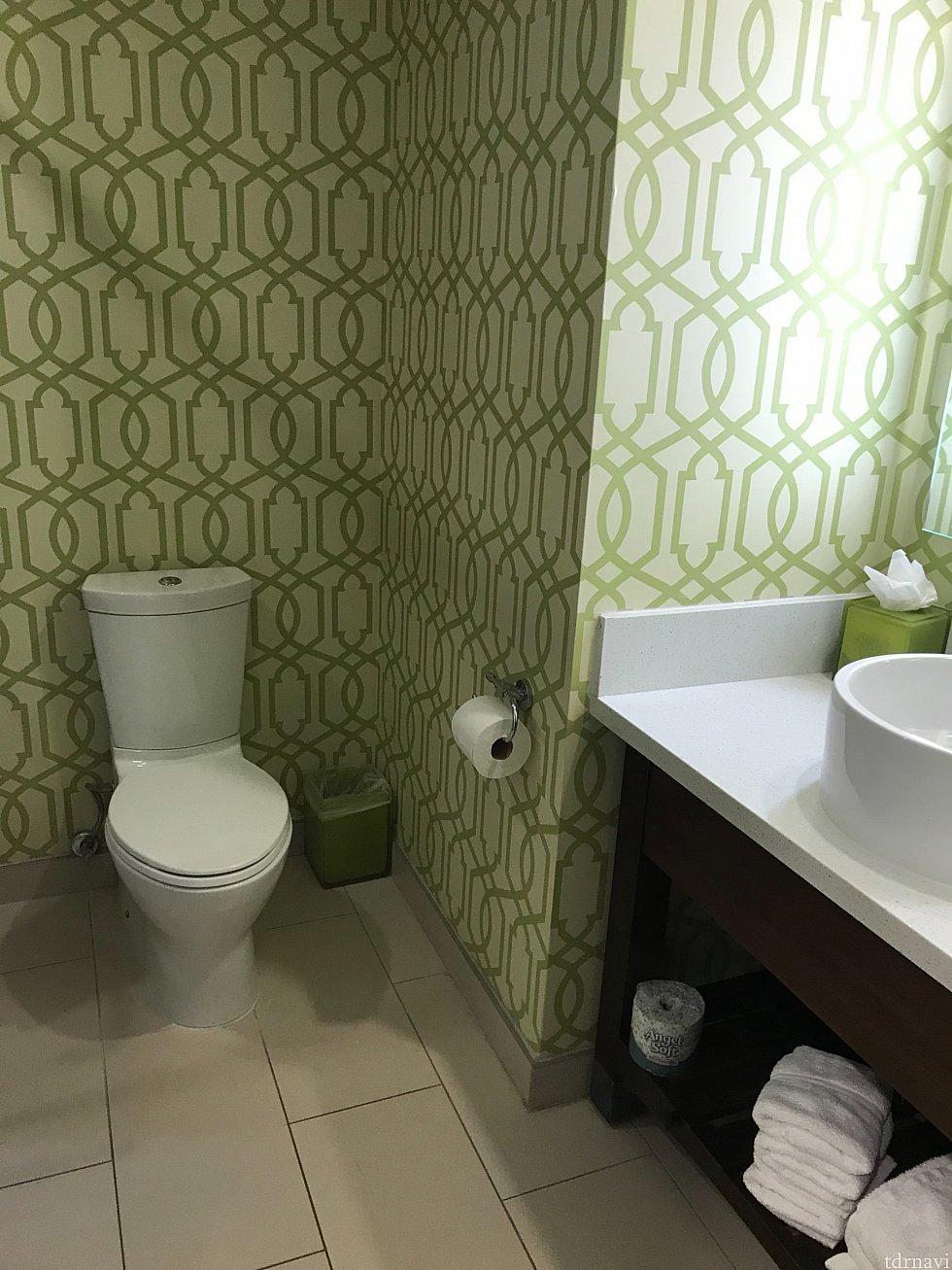 洗面台とおトイレ