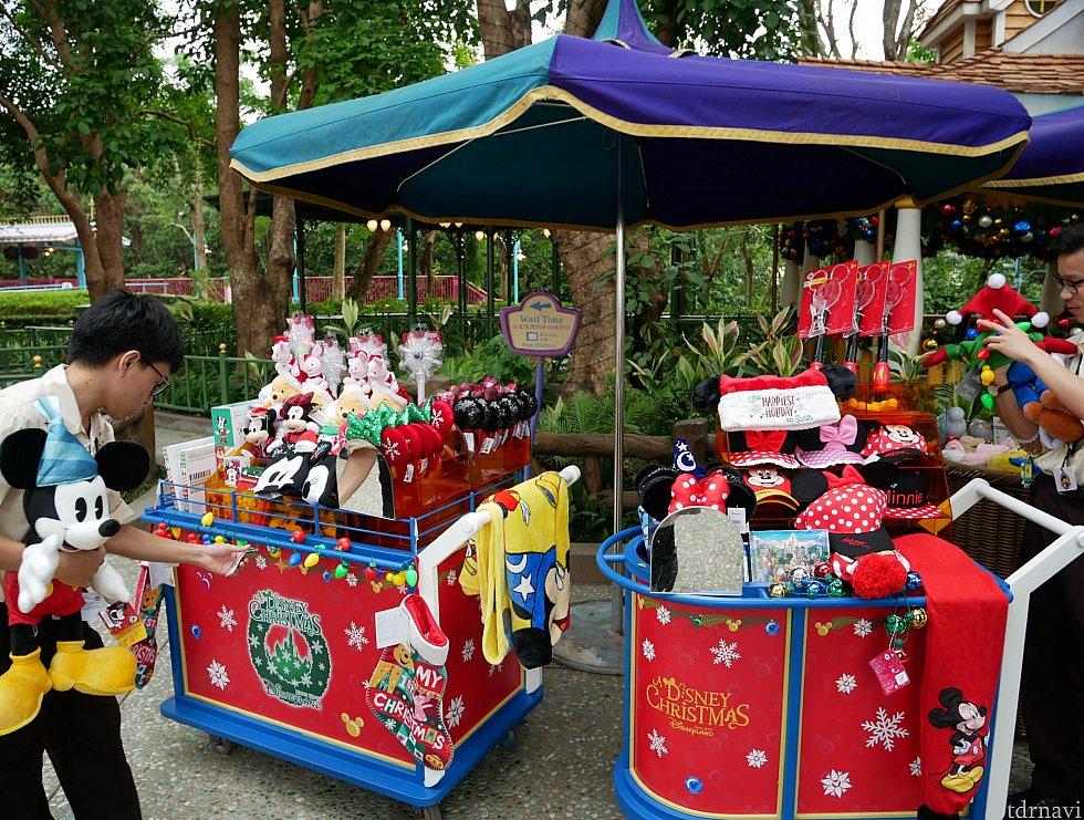 ファンタジーガーデンではクリスマスマーケットとして、グッズや食べ物が売ってました!