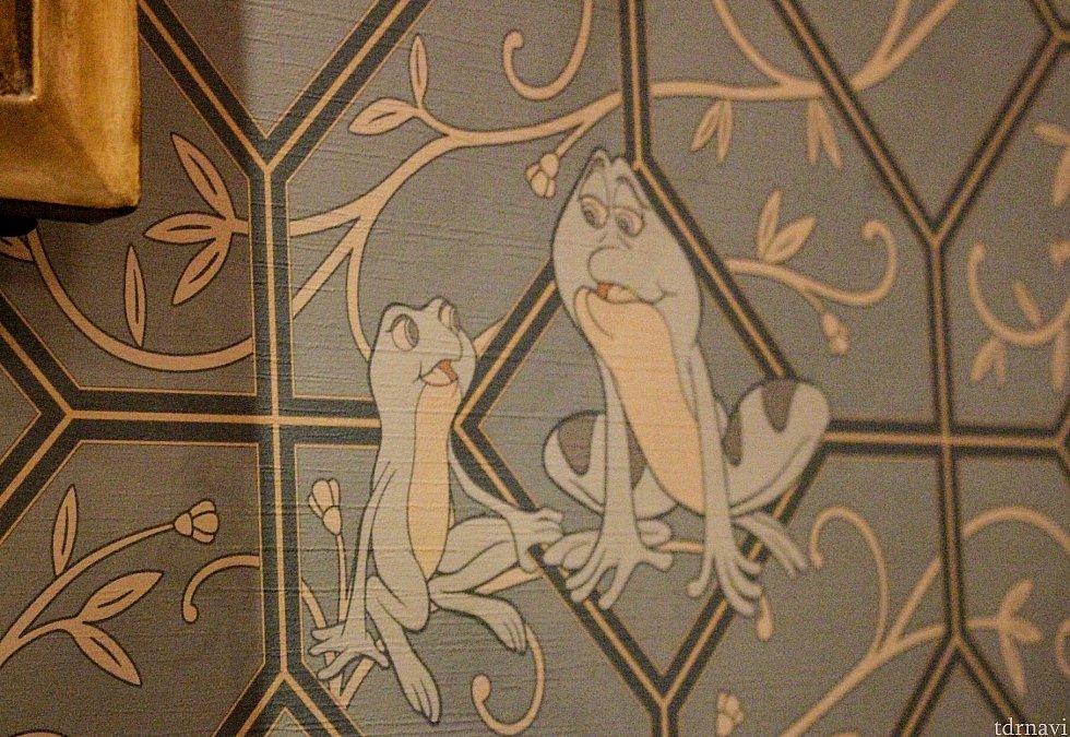 受付の横の壁にティアナとナヴィーンがいたので! レストラン外ですが、素敵な壁画もありました🌟