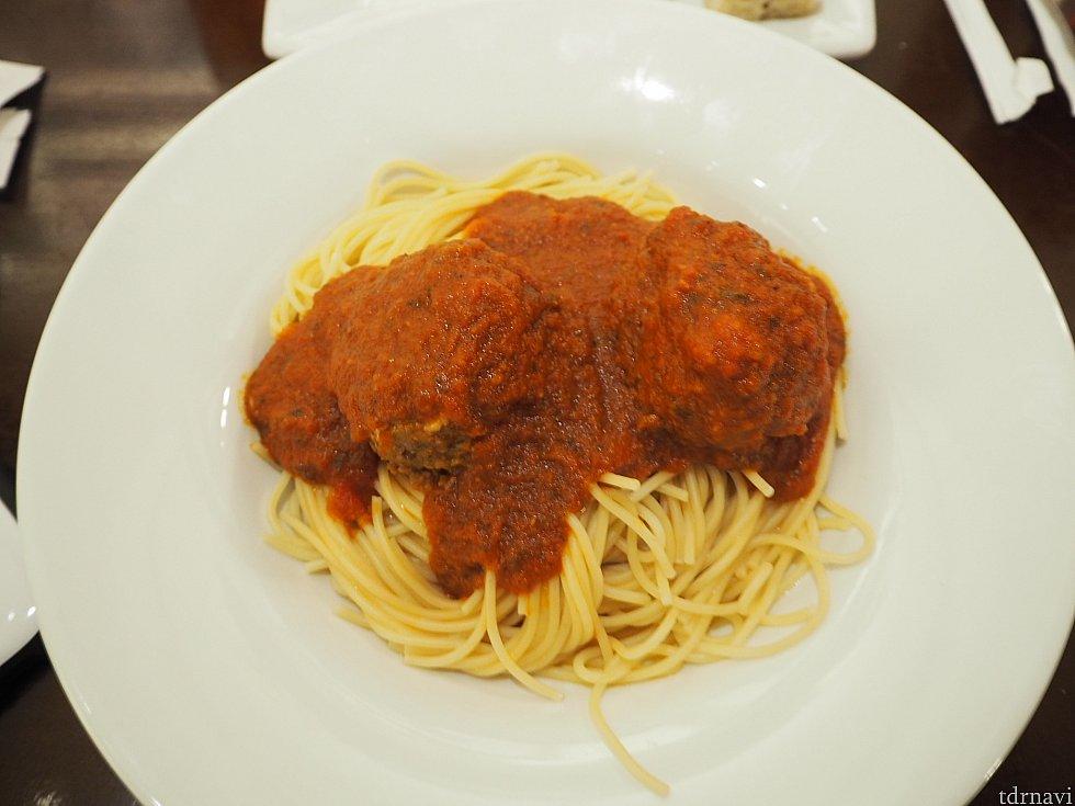 メインはやっぱりこのスパゲティ! このサイトを見てどうしようか迷いましたが経験ということで頼んでみました!