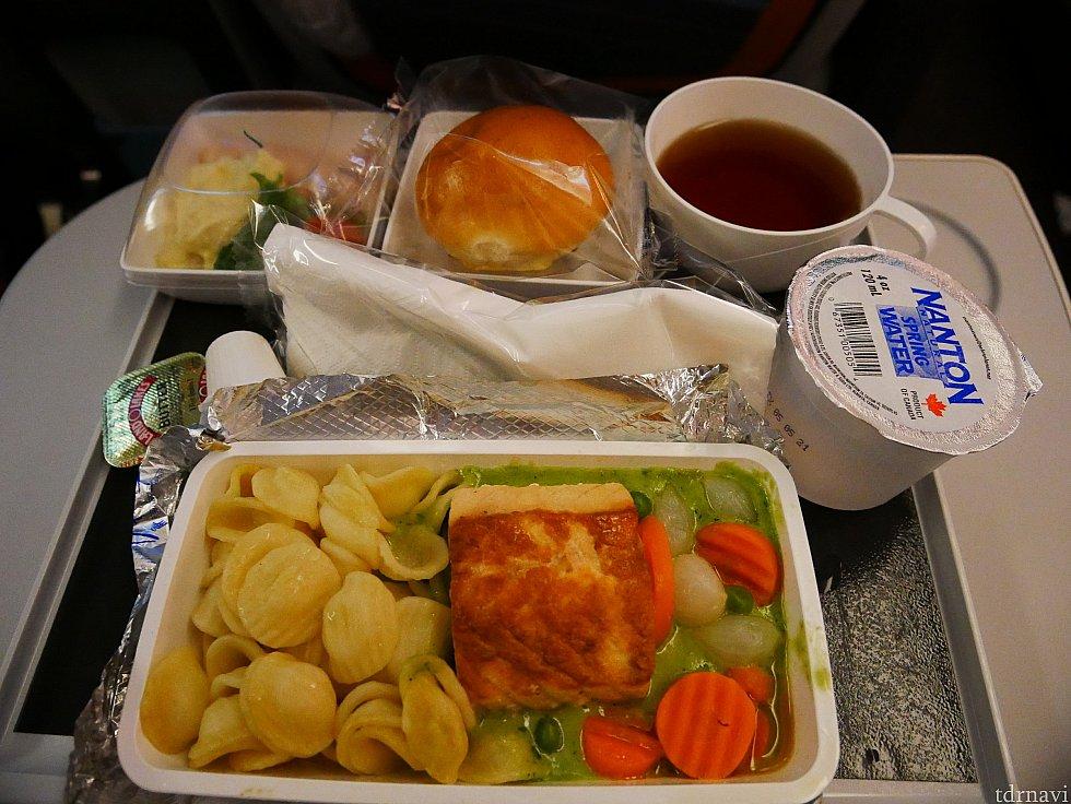 復路:機内食1回目