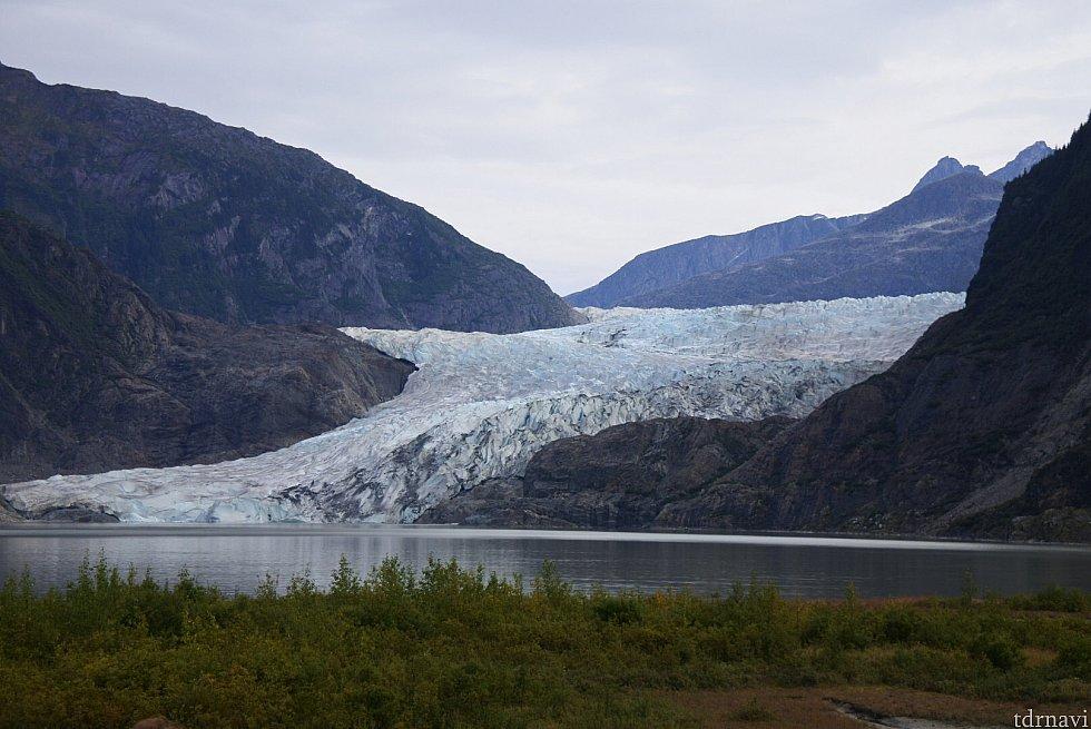 ナゲット滝から見える氷河