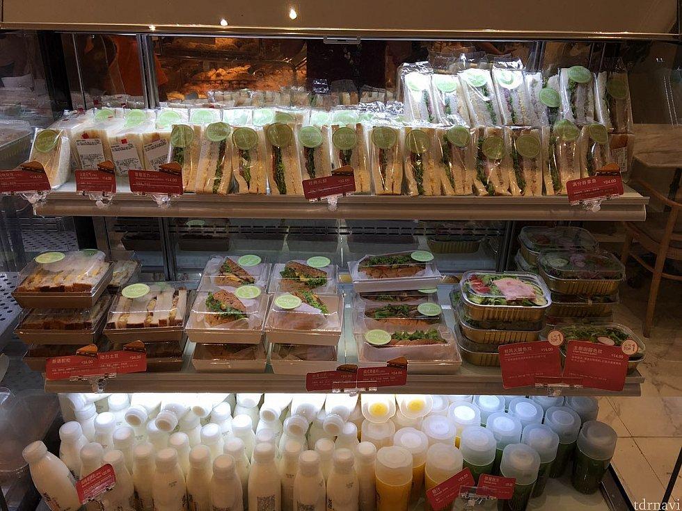 サンドイッチも種類が豊富です。