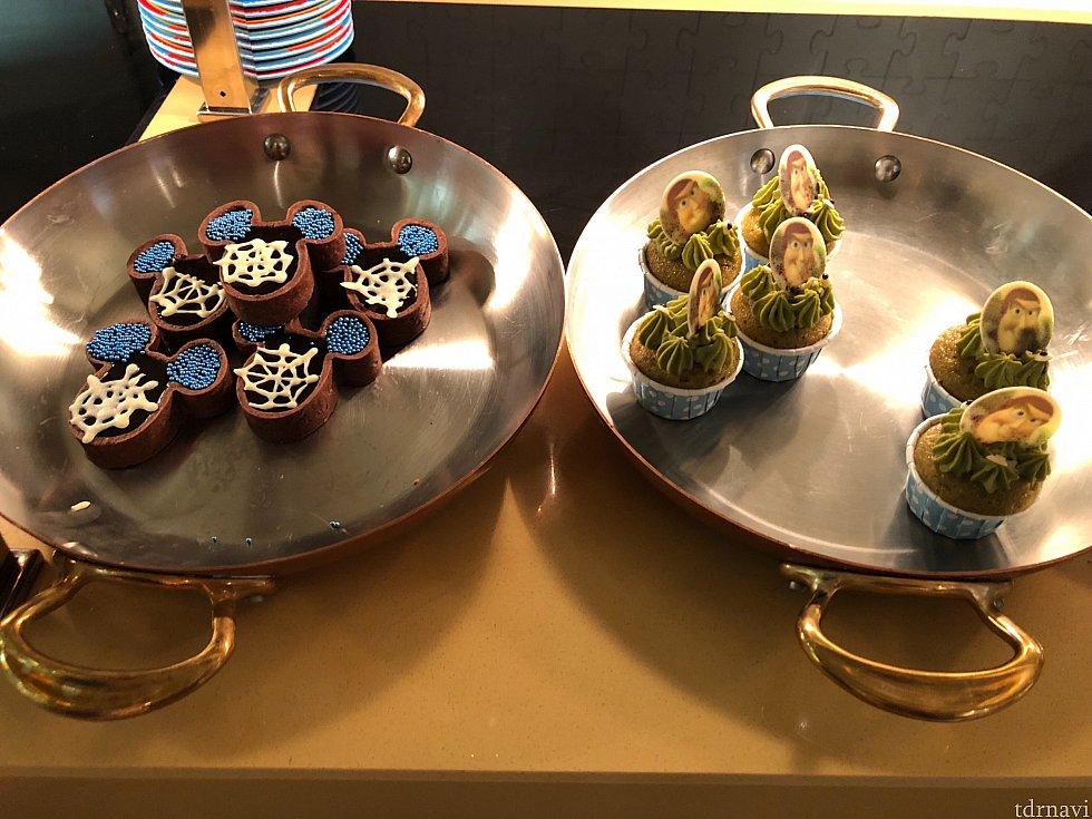 既視感のあるプチケーキ達。 チョコタルト美味しかったです♡