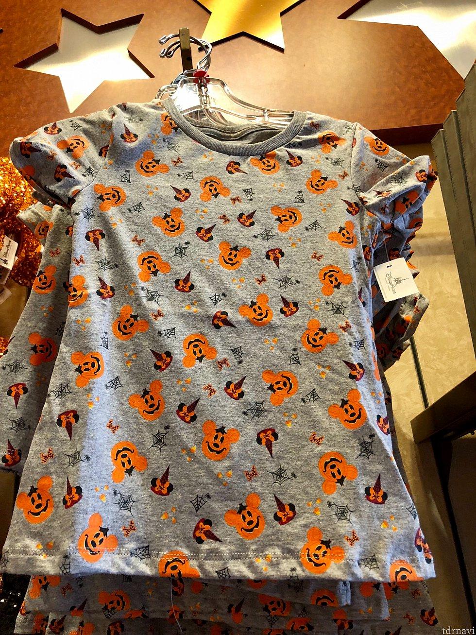 これも女の子用のTシャツです。$24.99