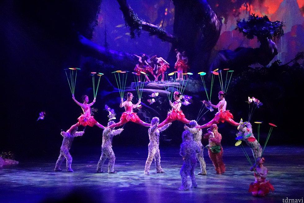 驚きの中国雑技でターザンのストーリーが再現されます!これはもう芸術ですね。
