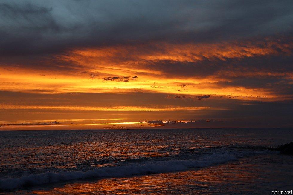 燃えるような夕陽は感動モノです!