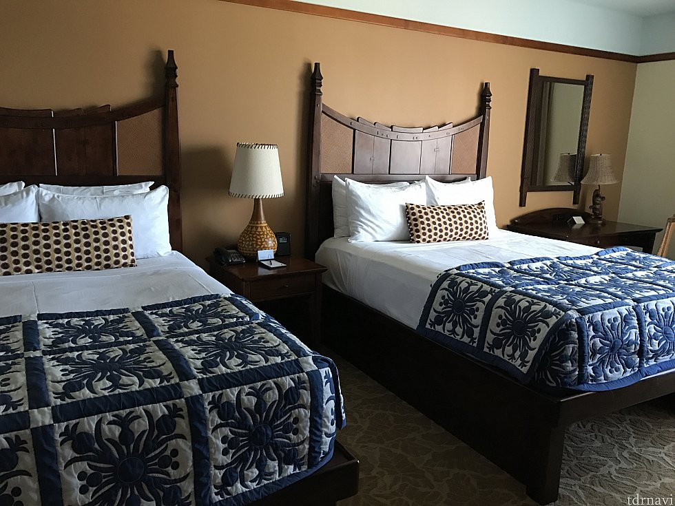 1つ目のお部屋こちははベッド2つ