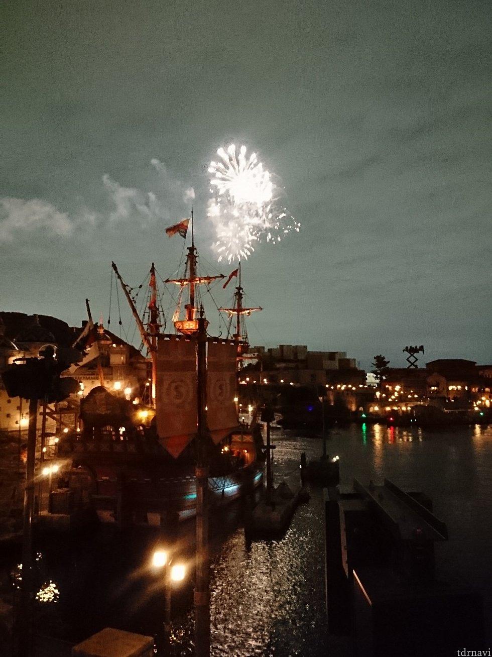 花火はポンテベッキオから見ました。