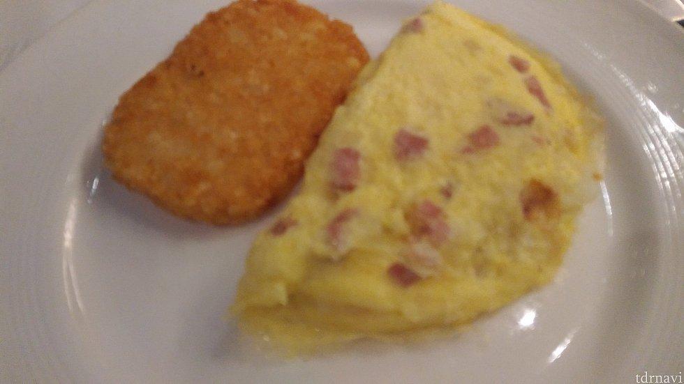 【朝食】オムレツ(と付け合わせについてきたハッシュポテト)