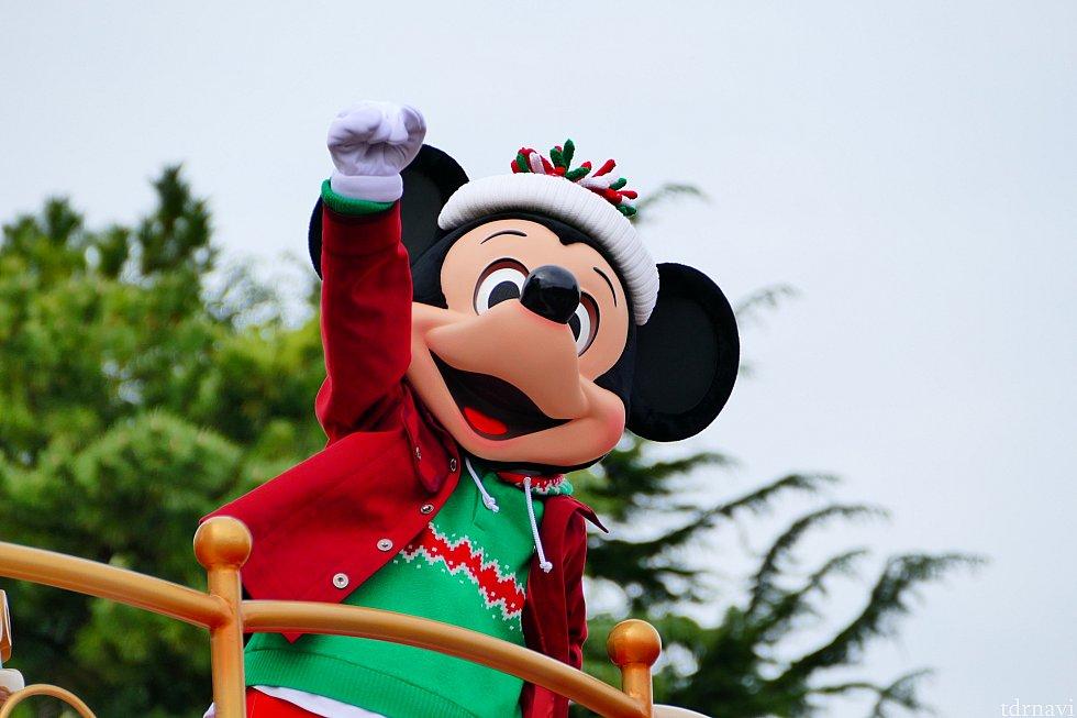 """White Christmas""のしっとりしたメロディーから急にアップテンポへ!皆のテンション最高潮!私たちゲストの涙腺どうなっちゃうの!!これぞクリスマス!"