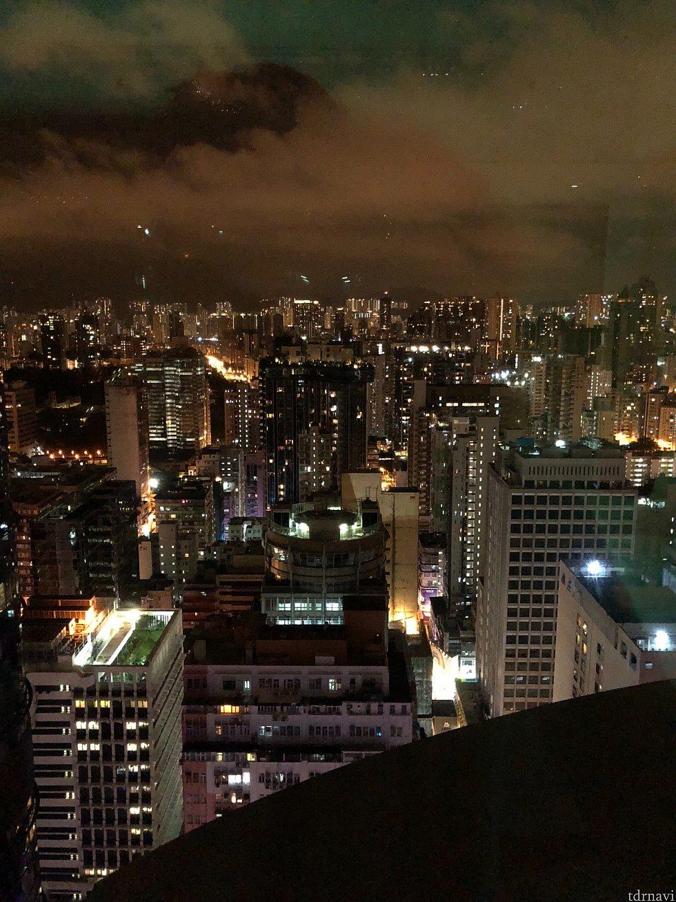 高層ホテルなので夜景はとてもきれいです。