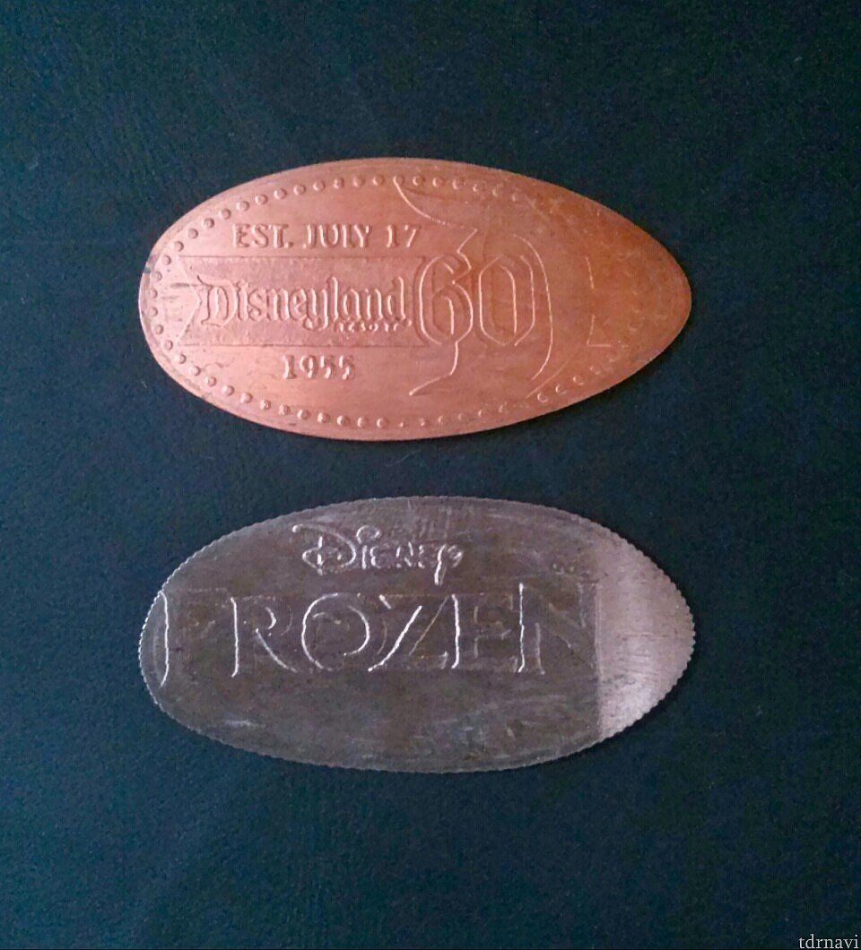 アナハイムのスーベニアコインは、両面に刻印があります。こちらは裏側。