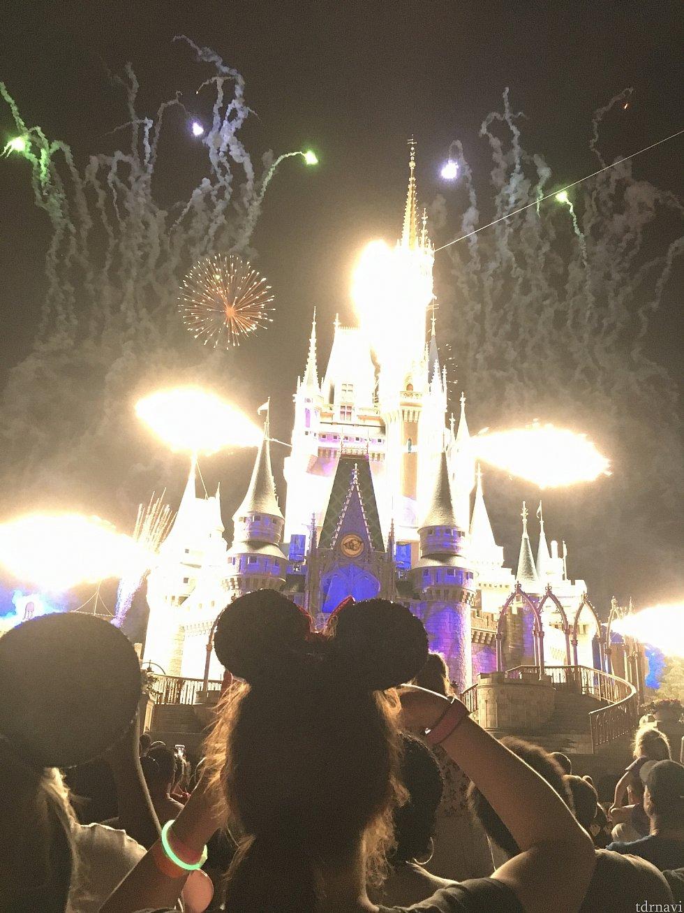 お城からぶわっと炎が。ビックリ!