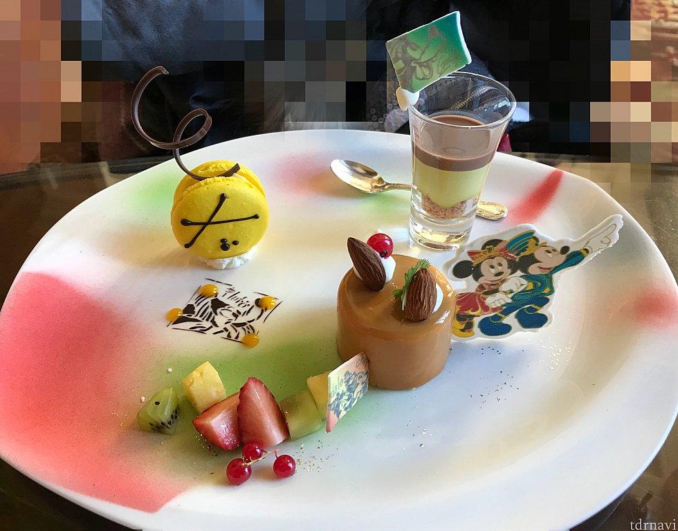 デザートプレート☆ チデのケーキに注目👀✨赤いのは……😁??