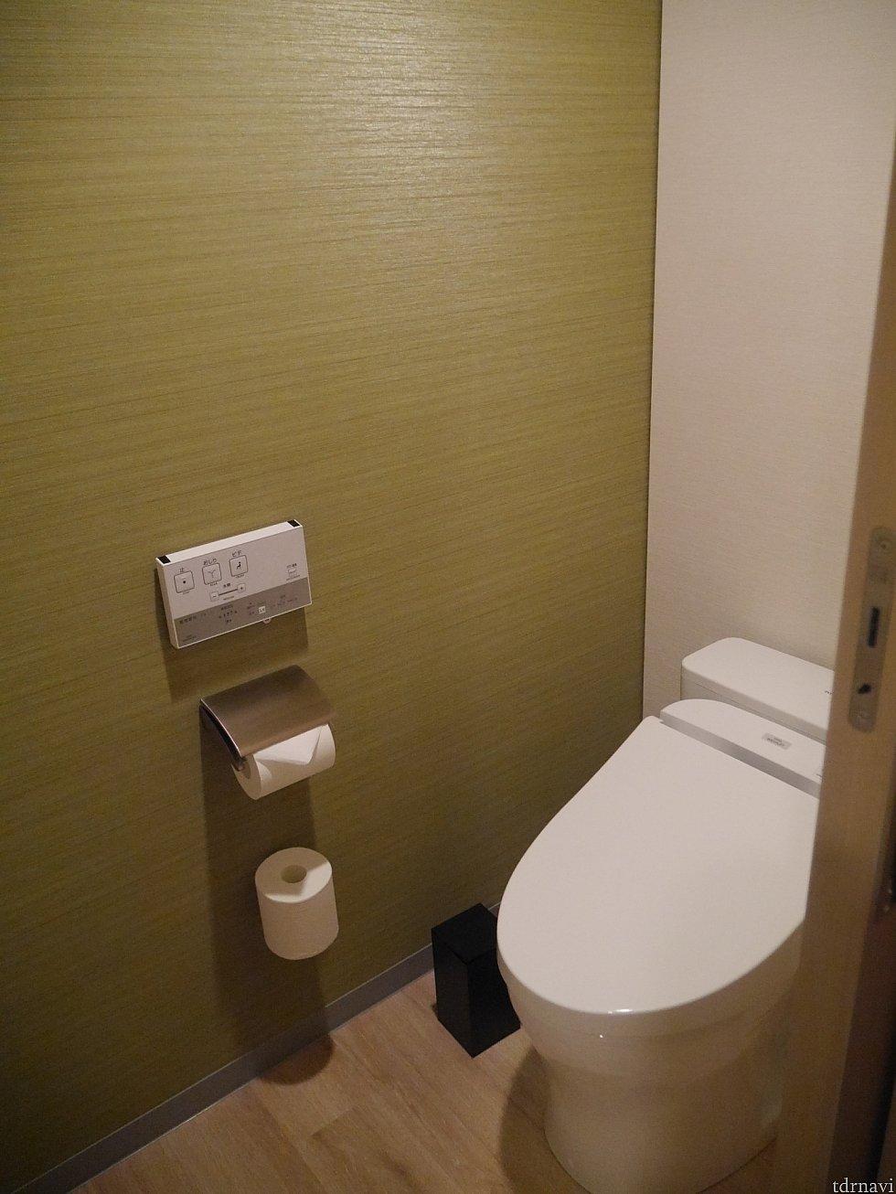 トイレはきちんと個室です!