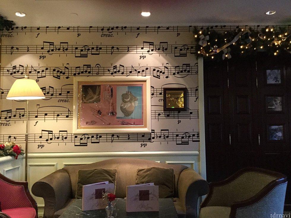 ファンタジアがテーマとあって、店内は楽器や音符をモチーフにした落ち着いた内装