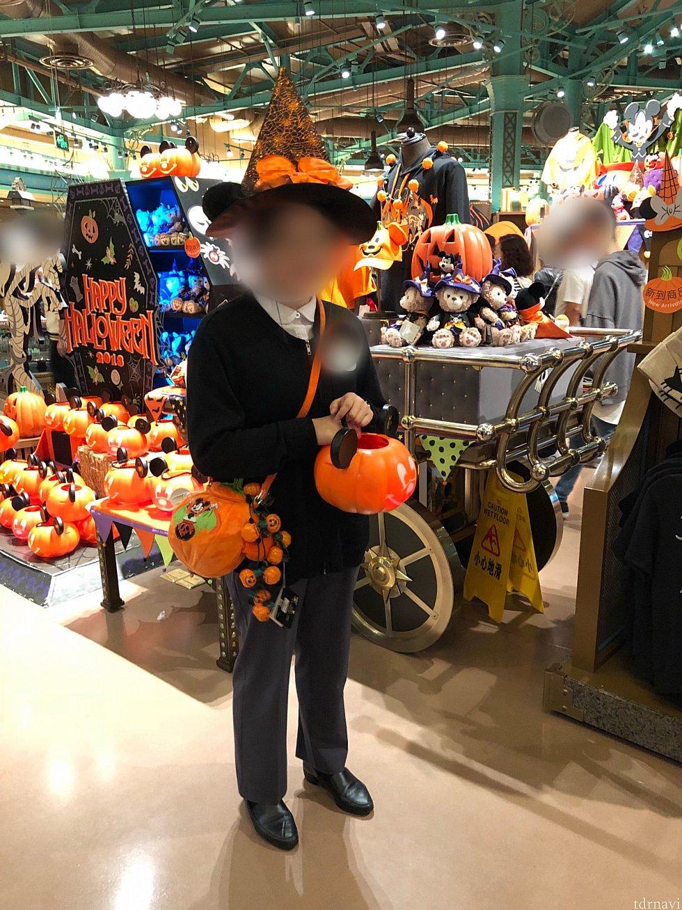WODでも、かぼちゃバケツを持っているキャストさんに貰えます