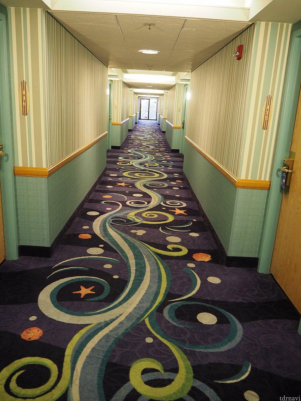 海のような模様の廊下
